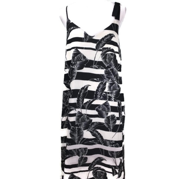 Vince Camuto Dresses & Skirts - Vince Camuto Tropical Shadows Maxi Slip Dress